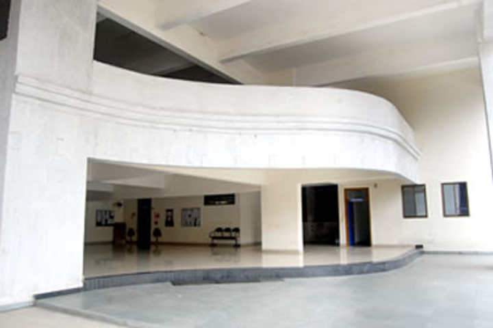 https://cache.careers360.mobi/media/colleges/social-media/media-gallery/16703/2018/12/19/College Builiding View of Yashwantrao Chavan College of Arts Commerce and Science Navi Mumbai_Campus-View.jpg